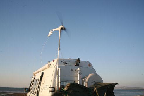 une éolienne sur un camping car